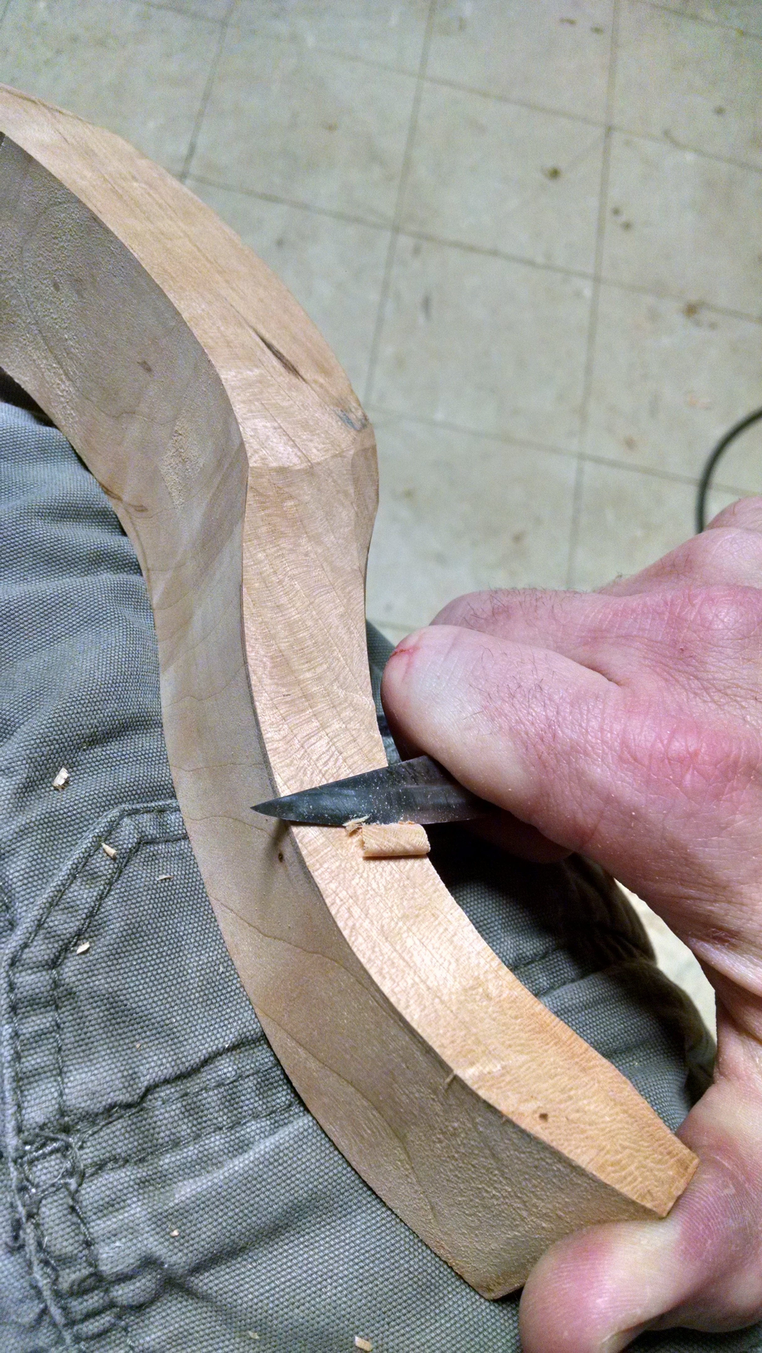 16-Travisher Handle Carving