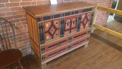 A chest with drawers